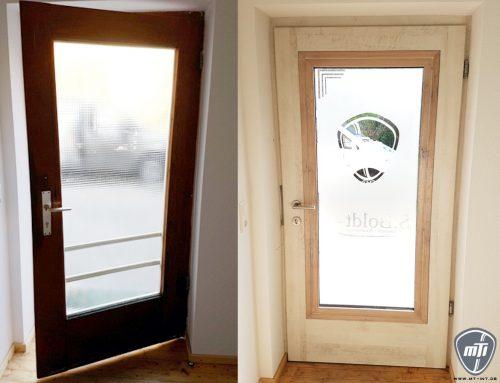 Folierung von Fenster- und Türrahmen