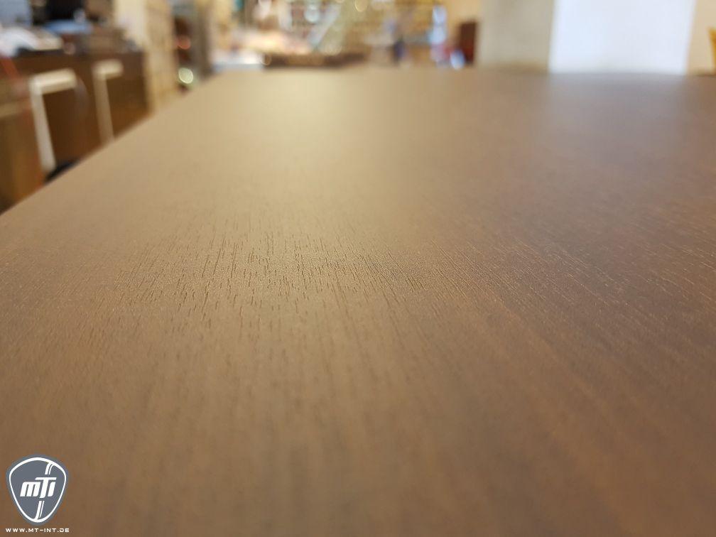 Holzmaserung Theke